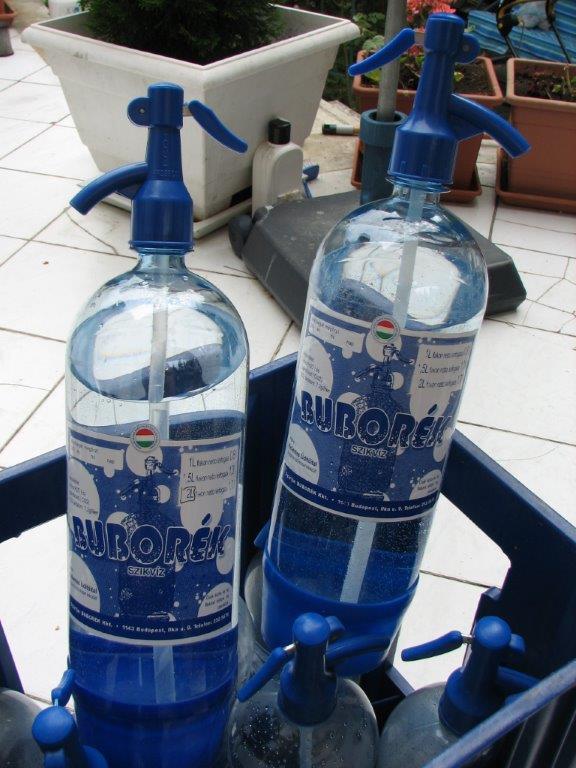 1,5 és 2 literes PRB szikvizes palack